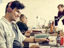 How Does A Noise Cancelling Headset With Microphone Help Your Productivity?